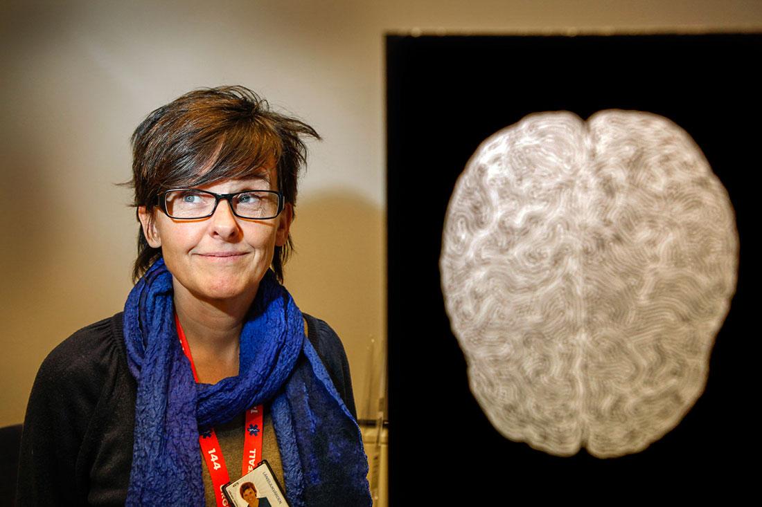 """För psykologen Agneta Sandström är det nära mellan hennes egen hjärnforskning och politik: """"De stressrelaterade sjukdomarna går ner i åldrarna, många unga familjer orkar inte med. Kanske det krävs mer deltid för att man ska hålla ett helt arbetsliv?"""""""