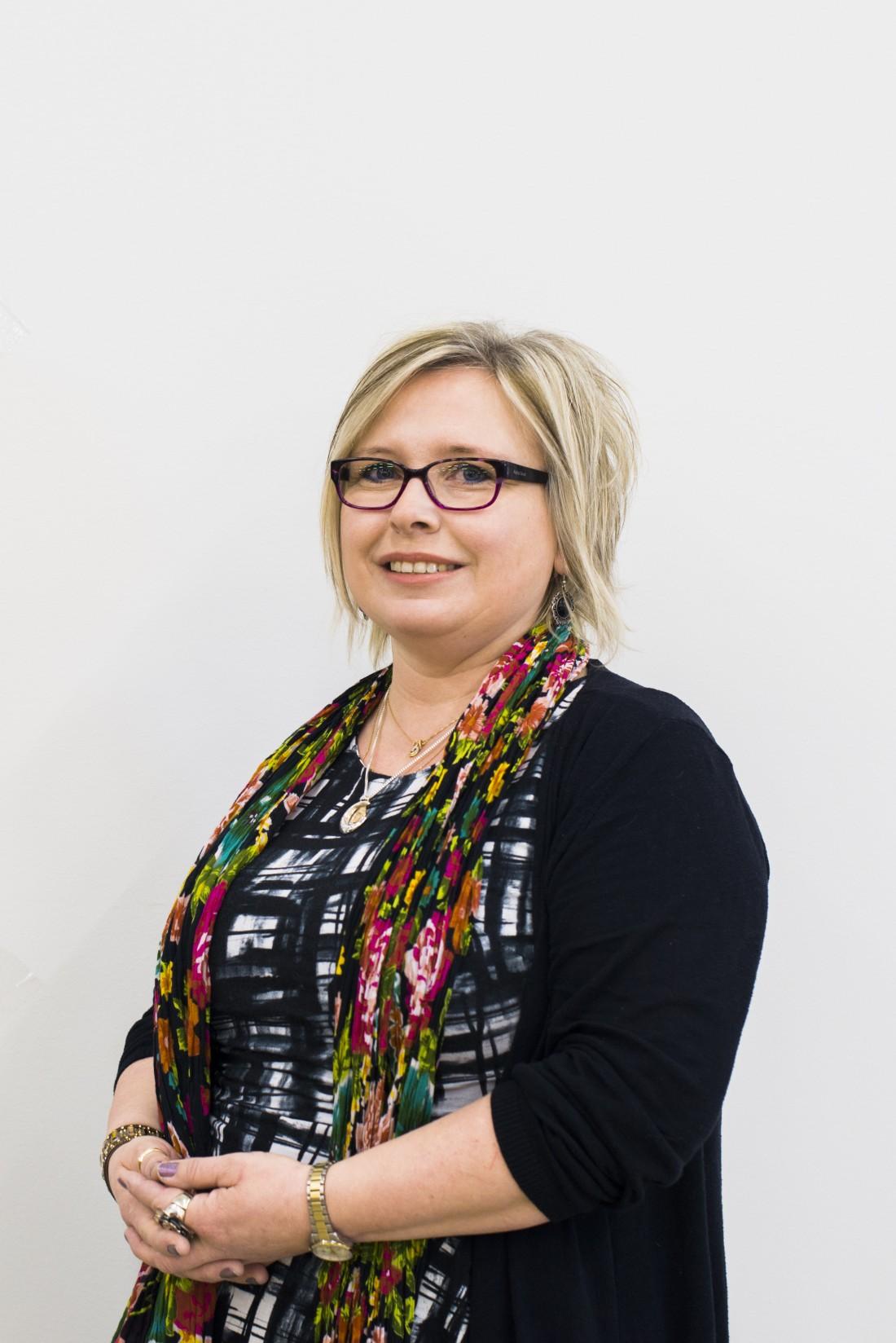 Kritstina Axelsson, montör på Flexit i Töcksfors. Foto: David Lundmark