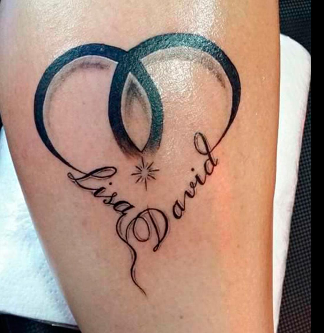 Egendesignad tatuering med barnens namn. Foto: Privat.