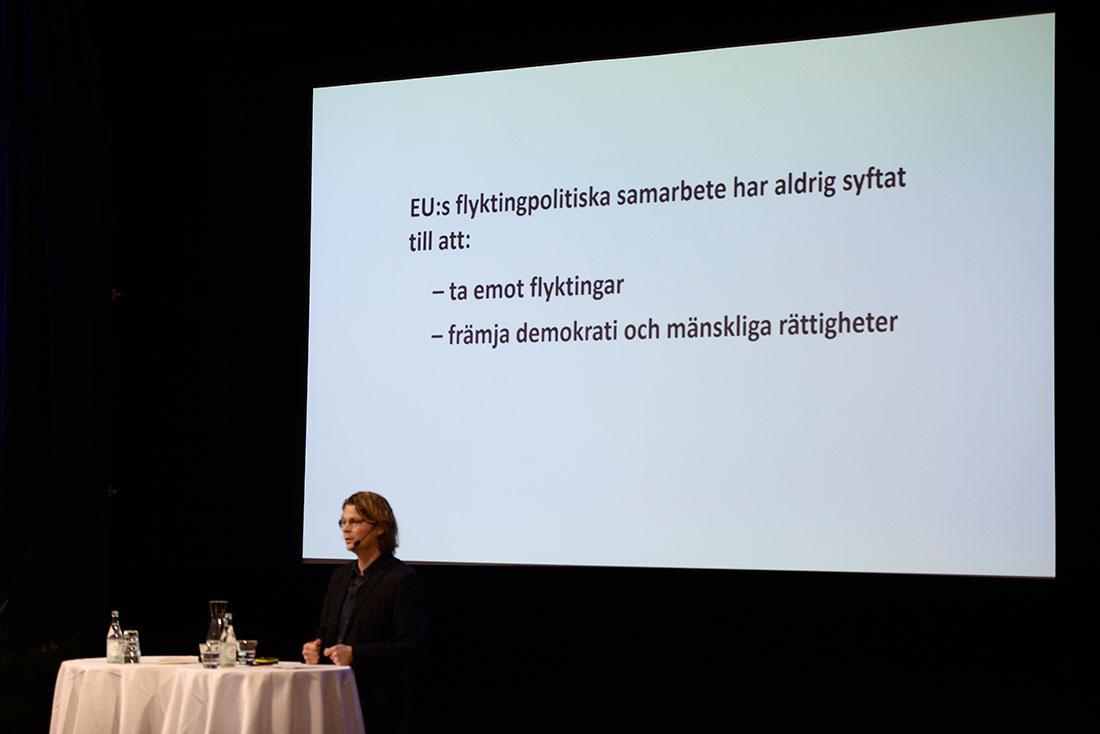"""""""Flyktingkrisen har ökat tillväxten i Sverige & Tyskland."""" /Peo Hansen, professor i statsvetenskap i Linköping. Foto: Madeleine Andersson."""