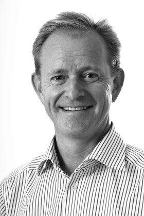 """""""Vi har många exempel på dem som blivit både samordnare, logistiker, processtekniker och produktionsledare via alternativa karriärvägar"""", säger vd Tomas Magnusson."""