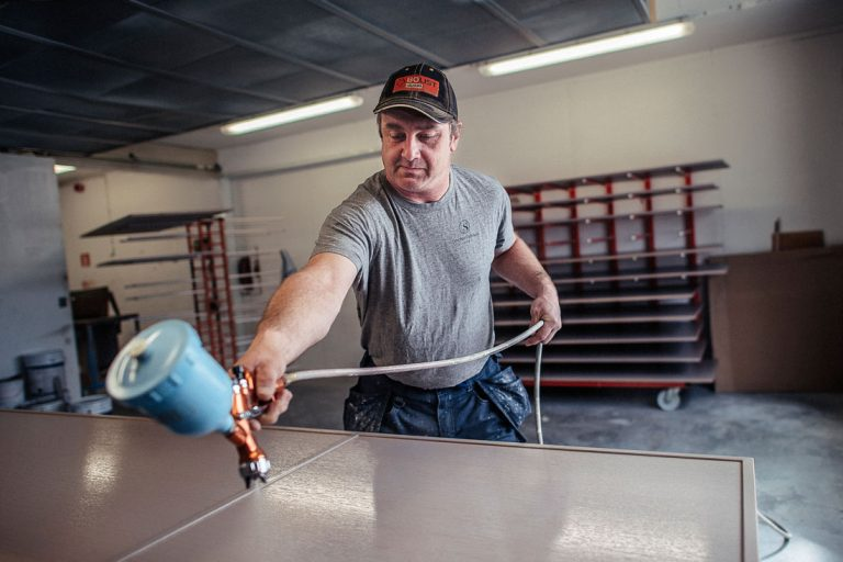 Niklas Jacobsson, Snickerifabriken i Visby. Foto: David Lundmark