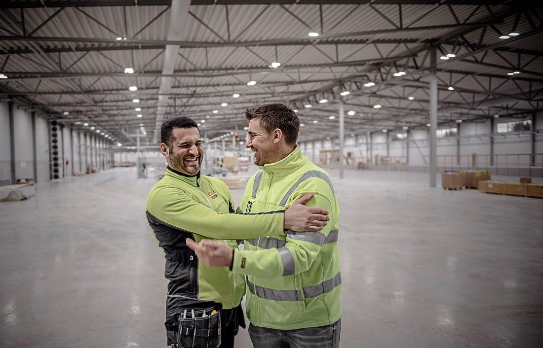Kärt återseende. Iyad Ben Khadra kallar Fredrik Johansson för sin bror och lärare. Foto: David Lundmark