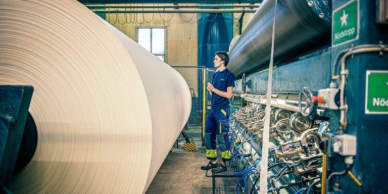 Inifrån Swedpapers fabrik.