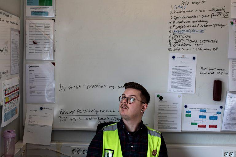 Jesper Johansson är tjugosex år och har varit huvudskyddsombud i mer än två år. Foto: Åke Ericson