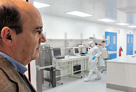 Vi tror att det är nödvändigt att utveckling och tillverkning ligger nära varandra, säger Raúl Reyero på innovationsföretaget Ikerlan.    Foto: HARALD GATU