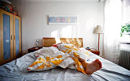 Du klarar skiftjobbet bättre om du har ostörd sömn på dagtid, är fysiskt aktiv och äter på regelbundna tider. Foto: MIKAEL ANDERSSON