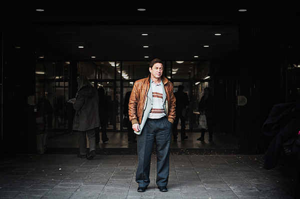 """Guy Standing berättar om hur otryggheten i arbetslivet gör människor desorienterade. """"Människor vet helt enkelt inte vad de borde göra. Borde jag nätverka lite mer? Borde jag vidareutbilda mig? Eller kolla min mejl och se om något jobb dykt upp? Fler och fler människor lider av den stressen."""" Foto: THEO ELIAS"""