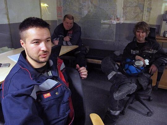 En trist uppgörelse, säger Jari Söyrinki, ordförande i gruvgruppen vid LKAB. I bakgrunden Mikko Hankala och Niklas Lingbro. HARALD GATU