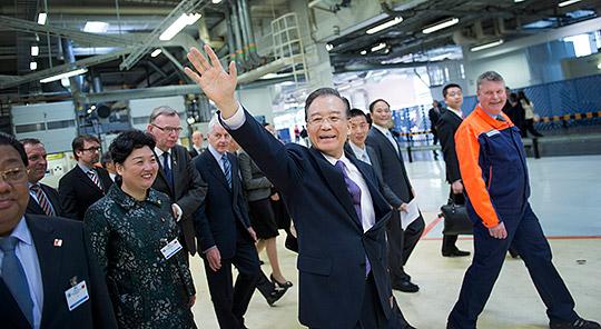 Kinas premiärminister Wen Jiabao besöker Volvo Pv. Foto: BJÖRN LARSSON ROSVALL