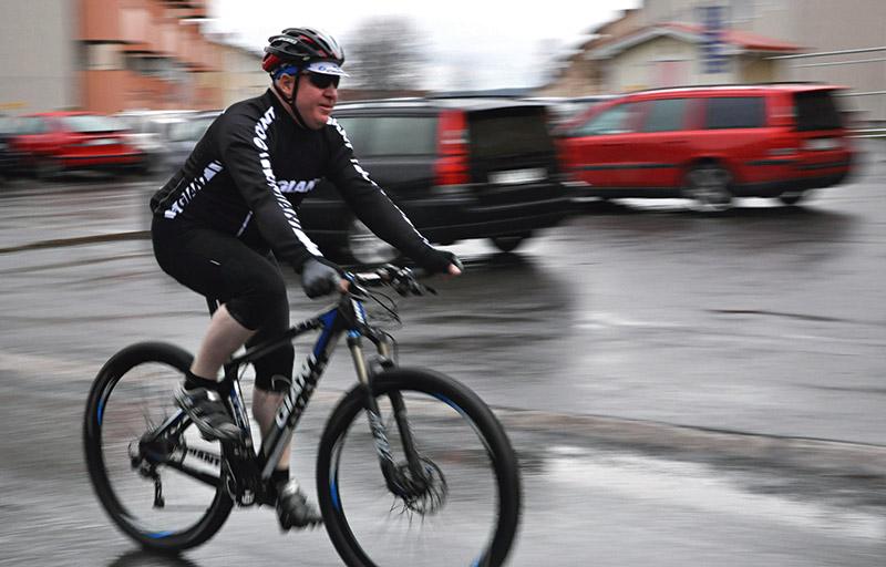 Mer än 2000 mil på ett år cyklade Ivan ett år då även vintern bjöd på mildväder.  Foto: MALIN TIMAN
