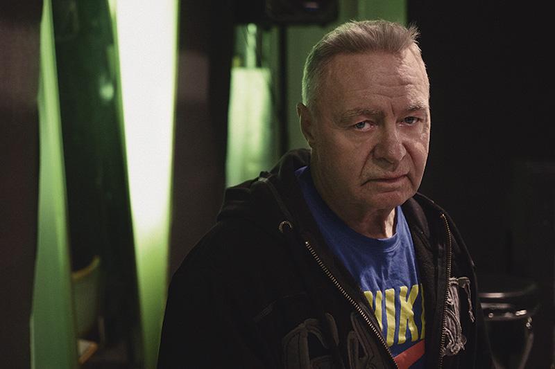 Kör hårt. Vid 70 års ålder spelar Jerry Williams fortfarande veteranhockey med AIK och Solna HC. Foto: HÅKAN ELOFSSON