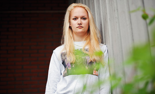 Felicia fick dra ner på precis allt när inkomsten sjönk från 20 000 till 0 kronor i månaden. Foto: REBECKA UHLIN