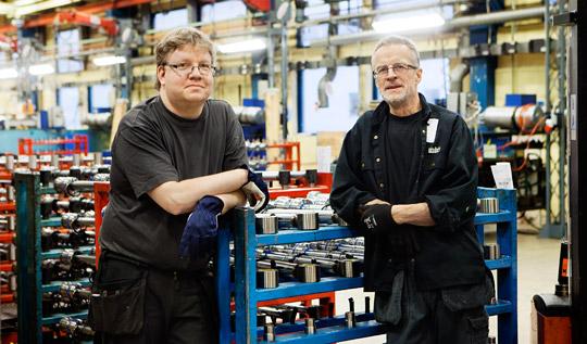"""""""Vi blev utpressade"""", säger Bengt Lundgren och Lennart Sjöström på Ålö Cylinder som hösten 2012 kände sig tvingade att skriva på ett avtal om minskad arbetstid och lägre lön.  Foto: MALIN GRÖNBORG"""