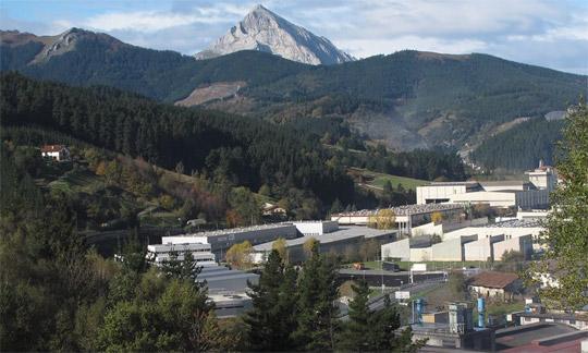 Arbetarkooperativet Mondragón ligger i norra Spanien och är världens störrsta med över 80 000 medlemmar. Nu har ett av kooperativets största medlemsföretag gått omkull på grund av krisen. Foto: HARALD GATU