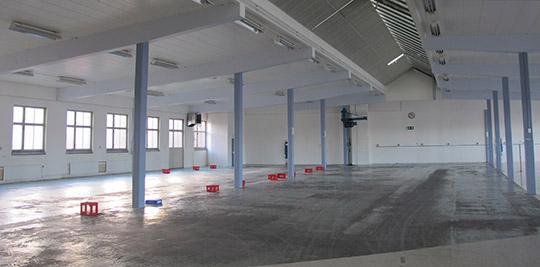 Exemplen på företag som flyttat produktionen till låglöneländer är många. Här låstillverkaren Assa Abloys tomma fabrikslokal i Eskilstuna 2012. Foto: HARALD GATU