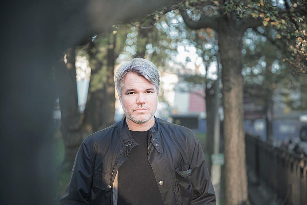 """Emil Hellström krävs på 150000 kronor av Skatteverket, eftersom verket har betalat ut pengar till Sörmlands Grafiska. """"Jag tycker att det här är omoraliskt från flera håll. Tryckerierna har tagit pengar som inte är deras, men Skatteverket hanterar också det här extremt kallt. Iskallt."""" Foto: EBBA OLSSON WIKDAHL"""